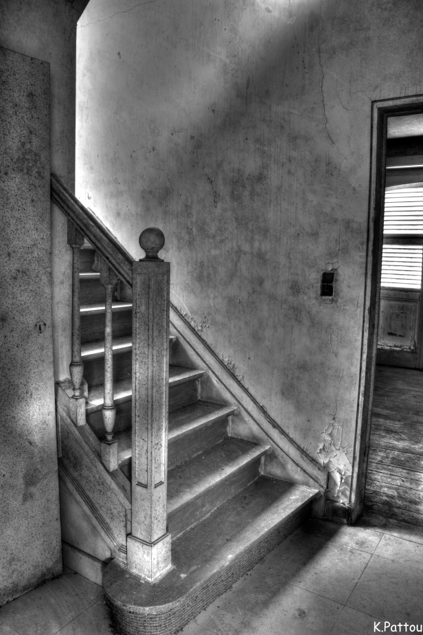 Urbex : stair and window