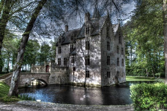 Castle of Beauvoorde in West of Flanders - Kasteel van Beauvoorde.