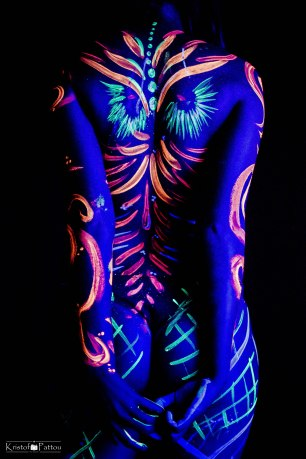 Uv-shoot-blacklight-bodypaint (5)